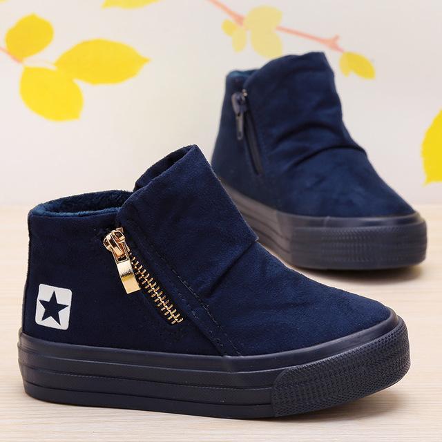 فروش عمده کفش خارجی بچه گانه پسرانه – کفشین