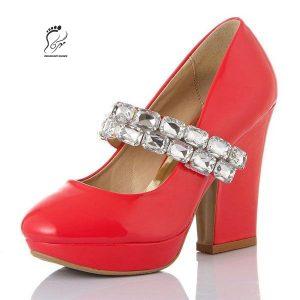 استفاده از کفش پاشنه بلند